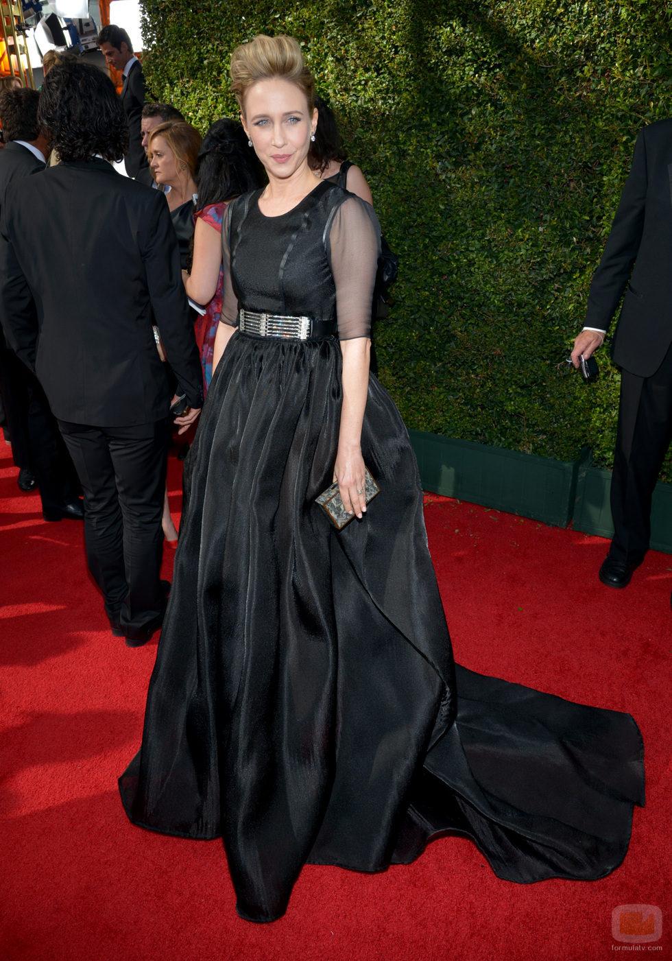 Vera Farmiga en la alfombra roja de los Emmy 2013
