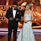 LL Cool J y Malin Akerman en los Emmy 2013