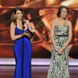 Tina Fey recoge el premio al mejor guion de comedia en los Emmy 2013
