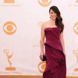 Linda Cardellini en la alfombra roja de los Emmy 2013