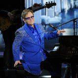 Elton John al piano en los Emmy 2013
