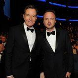 Bryan Cranston y Aaron Paul en los Emmy 2013