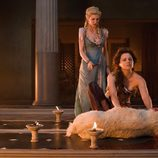Viva Bianca y Lucy Lawless en 'Spartacus: La venganza'
