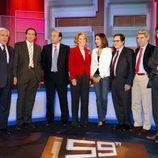 Esperanza Aguirre con el resto del equipo de '59 segundos'