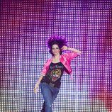 Vicky Gómez se revuelve el pelo en una foto promocional de '¡Fama, a bailar!'