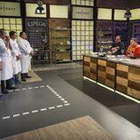 Concursantes de 'Top Chef', examinados por el jurado