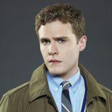Iain de Caestecker como Leo Fitz