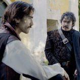 Diego Alatriste habla con su amigo Francisco de Quevedo