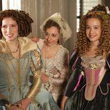 La infanta María Ana (Diana Gómez) y sus meninas en 'Alatriste'