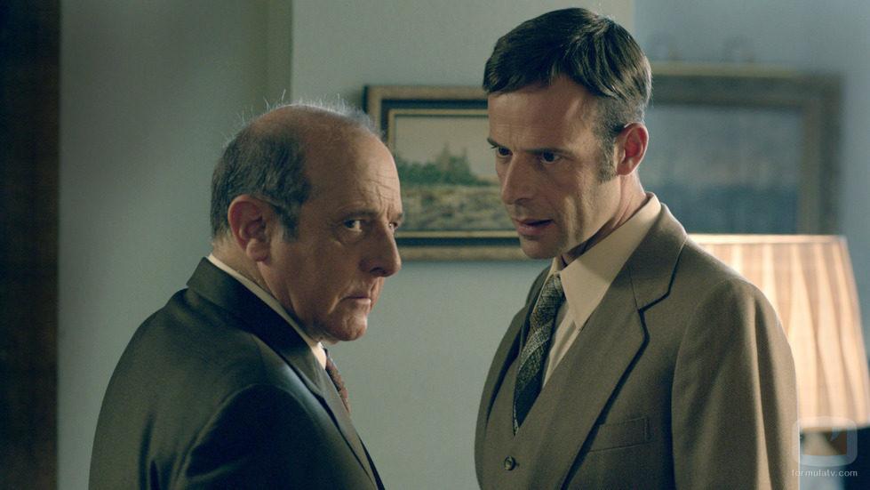 El doctor Mena y Ricardo en 'Niños robados'
