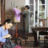 Adriana Ugarte es la costurera Sira Quiroga