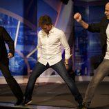 Tom Hanks, Pablo Motos y Jandro tocan un piano gigante con los pies en 'El Hormiguero'