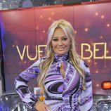Belén Esteban posa sonriente en 'Sálvame Deluxe'