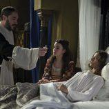 Isabel tratada por el médico Lorenzo Badoz en 'Isabel'