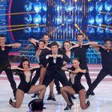 Manel Fuentes junto a los bailarines de 'Tu cara más solidaria'