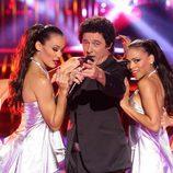 José Manuel Soto canta