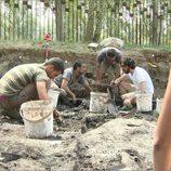 Flipy con el equipo del yacimiento de La Draga en 'Arqueólogo por un día'
