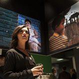 Alejandra Andrade en la exposición de 'Encardelados'