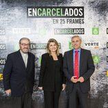 Padre Garralda, María Matos y José Luis González en la exposición de 'Encarcelados'