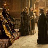 Los Reyes Católicos reciben a Colón en 'Isabel'