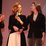 Maxi Iglesias, Manuela Velasco, Manuela Vellés y Marta Hazas en el preestreno de 'Galerías Velvet' en Noia