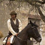 Alberto San Juan, a caballo en 'La señora'
