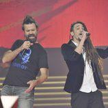Pau Donés y Jaume Mas en la final de la segunda temporada de 'La voz'