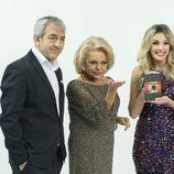 Carlos Sobera y Anna Simón posan junto a Mayra Goméz Kemp en 'Adiós al 2013, adiós'