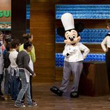 Mickey Mouse visita el plató de 'MasterChef Junior'