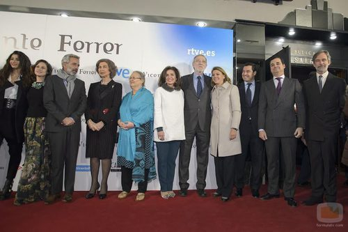 La Reina preside el acto de presentación de la TV Movie 'Vicente Ferrer'