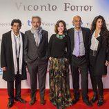 Ajay Jheti, Imanol Arias, Aída Folch, Santino Brady y Alba Flores en el preestreno de 'Vicente Ferrer'