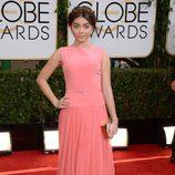 Sarah Hyland en la alfombra roja de los Globos de Oro 2014