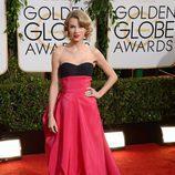 Taylor Swift en la alfombra roja de los Globos de Oro 2014