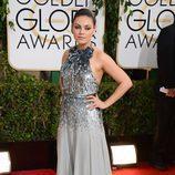 Mila Kunis en la alfombra roja de los Globos de Oro 2014
