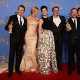 El equipo de 'Breaking Bad' con su Globo de Oro 2014 al Mejor Drama