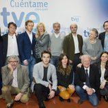 Los actores de 'Cuéntame cómo pasó' junto a Ignacio Corrales, Fernando López Puig y Miguel Ángel Bernardeau