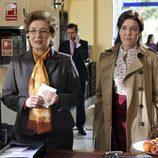 Maribel y Laura en el primer capítulo de la tercera temporada de 'Los misterios de Laura'