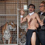 Canco Rodríguez, semidesnudo tras ser atacado por los tigres