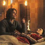 Julieta permanece dormida junto a Romeo en 'Romeo y Julieta'