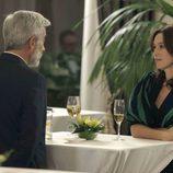 Antonio toma una copa con Paz en 'Cuéntame cómo pasó'