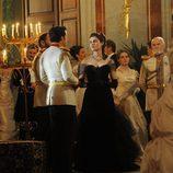 Vittoria Puccini y Santiago Cabrera en la TV movie 'Anna Karenina'