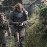 Arya Stark y el Perro, juntos en la cuarta temporada de 'Juego de tronos'