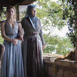 Margaery Tyrell y su abuela, la Reina de las Espinas, en la cuarta temporada de 'Juego de tronos'