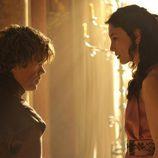 Peter Dinklage y Sibel Kekilli en la cuarta temporada de 'Juego de tronos'