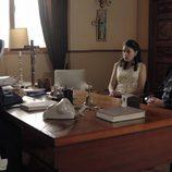 Paquita y Miguel ante una monja en 'Cuéntame cómo pasó'