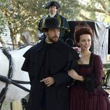 Katia Winter y Tom Mison en 'Sleepy Hollow'