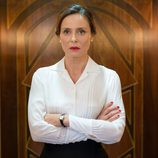 Doña Blanca en el ascensor de 'Velvet'