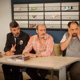 Coque, Enrique y Antonio Recio presiden una junta de vecinos en 'La que se avecina'
