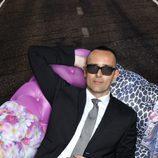 Risto Mejide, tumbado en el sofá de 'Viajando con Chester'
