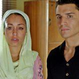 Hiba Abouk y Álex González en el cuarto capítulo de 'El Príncipe'